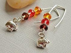 Perles de cristal, boucles, éléphant, fil boucles d'oreilles, Swarovski, carré minimaliste, Sterling Silver, Brown, ambre, rouge - sentier S...