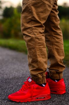SOLEHYPE: 30 EXAMPLES OF GREAT SNEAKER PHOTOGRAPHY   TODAYS HYPE