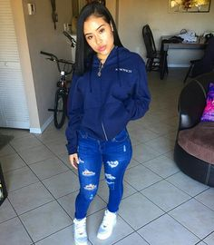Outfits With Vans – Lady Dress Designs Crop Top Outfits, Dope Outfits, Swag Outfits, Outfits For Teens, Winter Outfits, Casual Outfits, Tomboy Outfits, High School Outfits, Teenager Outfits