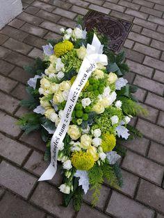 Funeral Flowers, Cemetery, Wreaths, Floral, Diy, Flower Arrangements, Flowers, All Saints Day, Casket