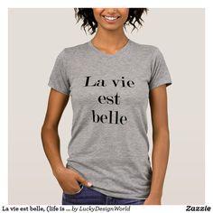 """Die Wörter dieses Entwurfs sind """"La konkurrieren est-Schönheit"""". Durchschnitte dieses ist inspirierend Zitats im französischen """"Leben schön"""". Der Text ist in einer klassischen Tintenfarbe und der Schriftart ist modern und modern. Ein Entwurf, zum von Lieblichkeit auszustrahlen. Der Entwurf würde ein großes Geschenk für eine Dusche, Geburtstag, für eine festliche Gelegenheit oder für jemand machen, das alle Sachen französisch mag."""