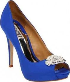 Badgley Mischka blue wedding shoes.  Come on girls....I want to buy these!!