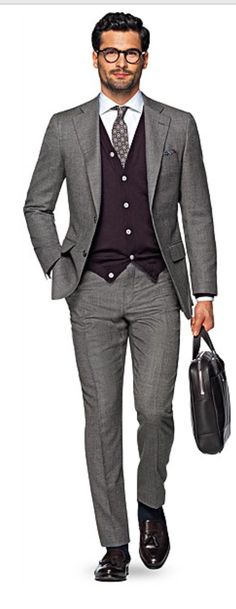 Suitsupply - Add some rich color to your fall style with this warm & versatile rust-colored cardigan. Slim and lightweight, it's the perfect layering piece for any easygoing occasion. Mens Dark Grey Suit, Rust Cardigan, Cashmere Cardigan, Mens Fall, Business Casual Outfits, Business Style, Suit And Tie, Facon, Gentleman Style
