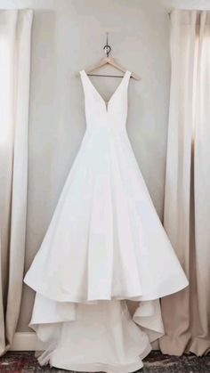 Miami Wedding Photographer, Wedding Hairstyles, Wedding Gowns, Wedding Photos, White Dress, Wedding Photography, Romantic, Fashion, Homecoming Dresses Straps