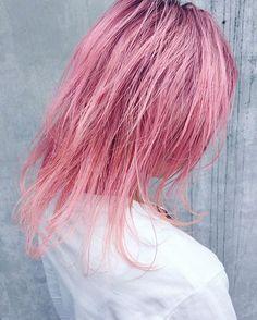 WEBSTA @ xenakoji - ✴︎ライトピンクが目を惹くシースルーウルフレイヤー✴︎ private⇨@kojixenafashion⇨@kojimaron#xena #hairstyle #hair #haircut #haircolor #follow #followme #cute #girl #like #ヘアスタイル #美容師 #美容室 #撮影 #モデル #サロンモデル #サロモ  #ジーナ #カラー #ヘアカラー #カット #作品撮り #ヘアカタログ  #イルミナカラー #シールエクステ #外国人風 #ピンクヘアー #マニパニ #ウルフカット