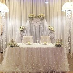 White White White... sweetheart table