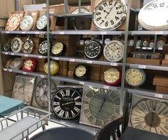 Webshop industriële en landelijke vintage aparte klokken. Vierkant, ovaal, rond en rechthoekige #landelijke #klokken