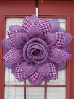 Deco Mesh Crafts Wreath Crafts Diy Wreath Flower Crafts Burlap Crafts Burlap Wreath Wreath Ideas Mesh Ribbon Wreaths Wreaths And Garlands Burlap Flower Wreaths, Fabric Wreath, Sunflower Wreaths, Deco Mesh Wreaths, Burlap Wreath, Burlap Crafts, Wreath Crafts, Diy Wreath, Wreath Tutorial
