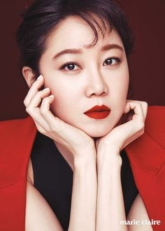 Featured in the beauty section for the January issue of Marie Claire, Gong Hyo Jin shows off different looks with CLIO lipcolors – from youthful to mature to sexy. We love them all, she looks…
