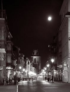 Toruń nocą  ul.Żeglarska