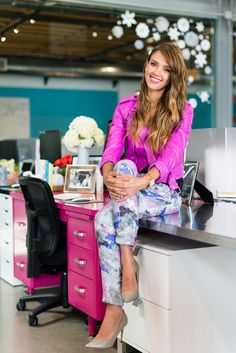 Jessica Alba: Role Model - Happy, Successful Mom and Business owner of the Honest company (and movie star!)