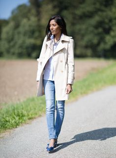 Trench coat and salvatore ferragamo outfit.