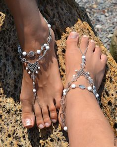 """Купить Комплект браслетов для ножек """"Южанка"""" - белый, серебряный, браслет с подвесками, браслеты для ног"""