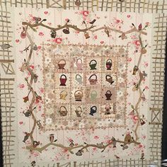 A prominent and celebrated quilt artist and designer, Yoko Saito is known for her use of gentle taupe colors in quilting and sewing projects. Yoko Saito, Hand Applique, Applique Quilts, Jean Miro, House Quilt Patterns, International Quilt Festival, Japanese Patchwork, The Quilt Show, Basket Quilt