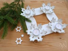 Adventní svícen s vločkami I - Feng Shui Entrada Christmas Crafts For Kids, Christmas Themes, Christmas Diy, Christmas Decorations, Christmas Ornaments, Advent Candles, Candle Lanterns, Clay Crafts, Diy And Crafts