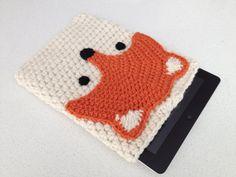 Crochet Fox IPad Case by peanutbutterdynamite on Etsy Diy Tricot Crochet, Crochet Case, Crochet Phone Cases, Crochet Fox, Love Crochet, Crochet Crafts, Crochet Stitches, Crochet Patterns, Crochet Tablet Cover