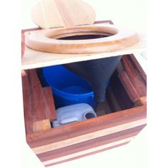 portable composting toilet with urine diversion