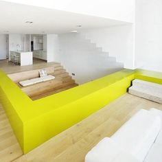 Bright yellow emphasizes the the floor lay out and brings diversity to the simple colors.