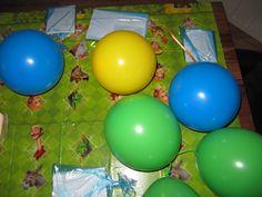 alle ballonnen met opdrachten voorde draken speurtocht