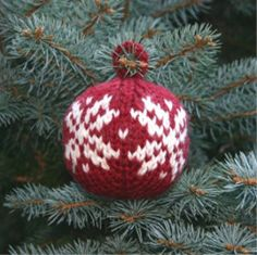 This knit Christmas ornament pattern will look gorgeous on your holiday tree. Knit the Two Strands Christmas Ball for a holiday ornament you will always treasure.