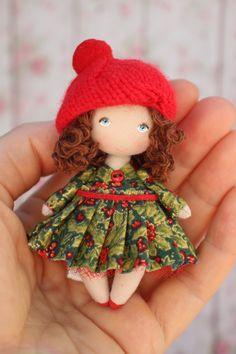 Échelle 1:12 Rouge Feutre Noël chapeau maison de poupées miniature Clothing Accessory El