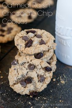 This Oatmeal Raisin Chocolate Chip Cookie recipe makes a MONSTER BATCH ...