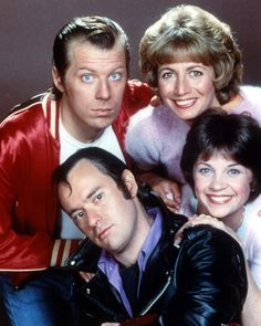 """Laverne and Shirley 1976 - 1983 Works at Shotz Brewery as bottlecappers. Laverne DeFazio - Penny Marshall Shirley Feeney - Cindy Williams Andrew """"Squiggy"""" Squiggman - David L. Enjoyed them all! My Childhood Memories, Best Memories, 1980s Childhood, Best Tv Shows, Favorite Tv Shows, Laverne & Shirley, Nostalgia, Volkswagen, Pin Up"""