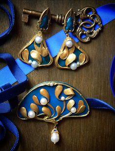 Unique jewelry set in Art Nouveau style. by Freyajewelryart