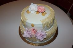 Narodeniny v zlatej :) Cakes, Desserts, Food, Meal, Deserts, Essen, Hoods, Pastries, Dessert