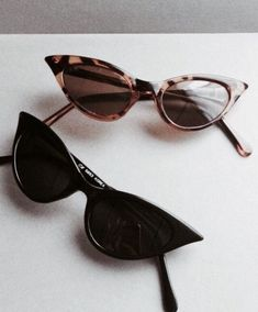 Best Ideas For Cats Eye Sunglasses Vintage Cute Sunglasses, Cat Eye Sunglasses, Sunnies, Sunglasses Women, Black Sunglasses, Illesteva Sunglasses, Vintage Sunglasses, Carrie, Dior Eyeglasses