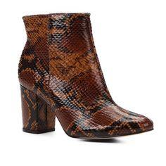 3ad29d7be Bota Couro Cano Curto Shoestock Snake Feminina - Caramelo - Compre Agora