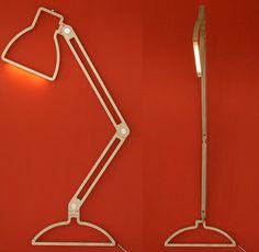 grote bureaulamp   http://www.woonschrift.nl/grote-bureaulamp/