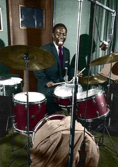 Art Blakey. Blakey assumed an aggressive swing style of contemporaries Chick Webb, Sid Catlett & Ray Bauduc early in his career, and is known, alongside Kenny Clarke and Max Roach as one of the inventors of the modern bebop style of drumming. (Wikipedia)