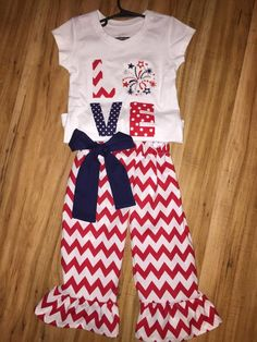 GIRLS 4TH July Capri Outfit, Patriotic outfit SIZES NEWBORN-12 by bows2toesmunchkinclo on Etsy