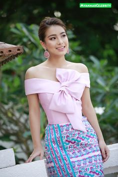 4 Factors to Consider when Shopping for African Fashion – Designer Fashion Tips Traditional Dresses Designs, Designs For Dresses, Traditional Outfits, African Fashion Dresses, African Dress, Fashion Outfits, Myanmar Dress Design, Myanmar Traditional Dress, Thai Dress