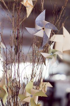 handmade pinwheel centerpiece - could easily be done with red paper handmade pinwheel centerpiece - could easily be done with red paper. Flowerless Centerpieces, Tree Centerpieces, Wedding Centerpieces, Pinwheel Centerpiece, Pinwheel Wedding, Hipster Wedding, Red Paper, Cute Wedding Ideas, Whimsical Wedding