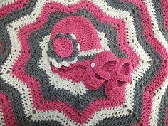 Star Ripple Blanket, Hat & Slippers