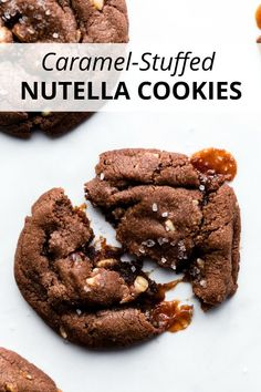 These caramel stuffed Nutella cookies are soft and chewy filled with chunky hazelnuts and gooey caramel then topped with sea salt. They're extra rich and indulgent and the caramel filling is a sweet surprise! Recipe on sallysbakingaddic. Caramel Biscuits, Nutella Biscuits, Nutella Cookies, Macaroon Cookies, Best Cookie Recipes, Baking Recipes, Dessert Recipes, Drink Recipes, Frozen Cookies