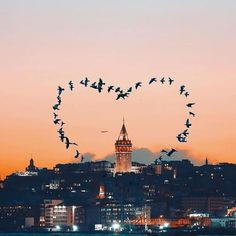 Istanbul a city where you feel most alive❤️  Istanbul City, Istanbul Travel, Wonderful Places, Beautiful Places, Voyager C'est Vivre, Best Family Beaches, Image New, Turkey Photos, Mekka