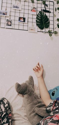 Cute Emoji Wallpaper, Bear Wallpaper, Pastel Wallpaper, Iphone Wallpaper Vsco, Galaxy Wallpaper, Aesthetic Room Decor, Aesthetic Girl, Cute Disney Pictures, Wall Paper Phone