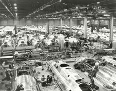 Boeing B-17 Flying Fortress assembly during World War II at Plant 2, in Seattle. Photo: The Boeing Company / SL