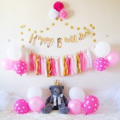 6 Month Baby Picture Ideas, Party In A Box, Baby Month By Month, Baby Pictures, 2nd Birthday, Birthdays, Wallpaper, Anniversaries, Wallpapers