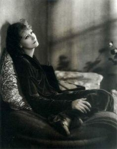 Clarence Sinclair Bull - Greta Garbo