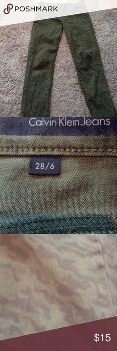Calvin Klein skinny jeans Army green color size 6/28 ultra skinny jean cut Jeans Skinny