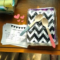 My mini desk for today. #chevron #favorbag #cutleries #wooden  Www.ggpartystore.com