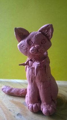 statue of random blood cat