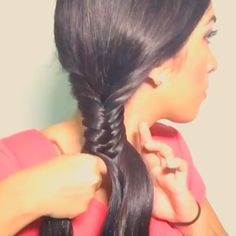 Hey loves!! Super easy updo for SHORT and long hair Make a regular fishtail braid Pull the sections out to make it look thicker Take the braid and bring it over and hide the tale under the braid ( so if you have short hair is better!!!! because you just need to secure it ) Secure with bobby pins  Haz una trenza de fishtailEstirala a tu gusto Para hacerla más gruesaTrae la trenza hacia atras esconde  lo que sobra y asegurala con pasadores( Si Tenes pelo corto pues mucho mejor porque solo Es…