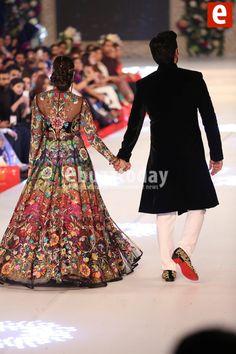 Nomi Ansari at PFDC Loreal Paris Bridal Week 2015 Bridal Mehndi Dresses, Wedding Lehnga, Pakistani Wedding Outfits, Pakistani Bridal Wear, Pakistani Dresses, Indian Outfits, Bridal Gowns, Indian Gowns, Lehenga Designs