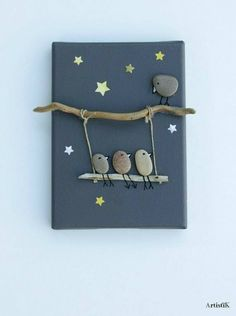 of the Best Creative DIY Ideas For Pebble Art Crafts Tableau galets oiseaux bois flotté fond ant Stone Crafts, Rock Crafts, Fun Crafts, Diy And Crafts, Arts And Crafts, Art Pierre, Creation Deco, Rock Design, Nature Crafts
