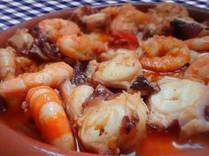 Pulpo al ajillo Gurmé Et Yemekleri Octopus Recipes, Fish Recipes, Seafood Recipes, Mexican Food Recipes, Cooking Recipes, Healthy Recipes, Fish And Seafood, Italian Recipes, Octopus